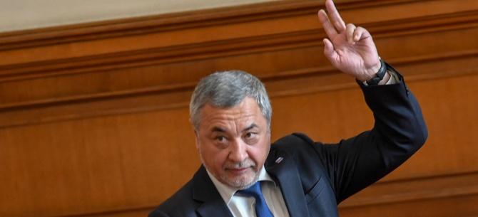 Одобрявате ли новия пост на Валери Симеонов на зам.-председател на парламента?