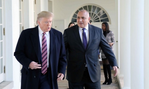 Трябва ли да отпадне визовият режим за българите за САЩ?