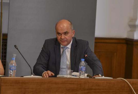 Одобрявате ли смяната на социалния министър Бисер Петков?