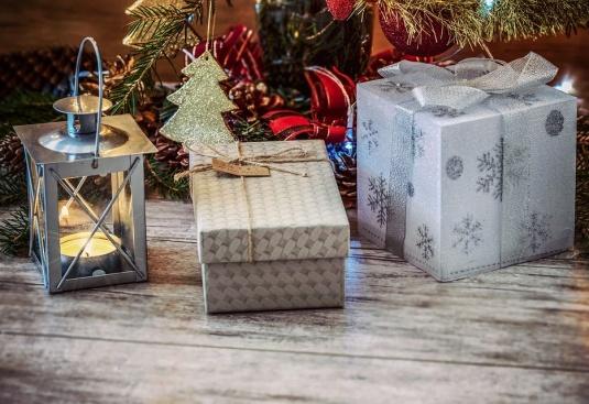Каква сума планирате да похарчите за Коледа и Нова година?