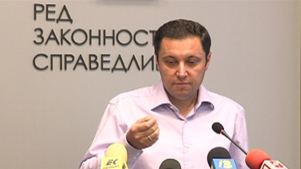 Яне Янев: Политическата полиция в България безчинства