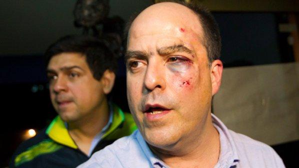 Голям бой в парламента на Венецуела