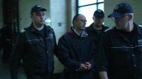Арест и вериги за Владимир Пелов, обвинен за разстрела на братята в Ботевград