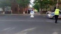 Робот избяга от лаборатория и предизвика улично задръстване