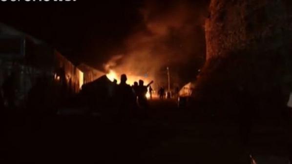Двама убити и двама ранени при пожар в мигрантски лагер в Гърция