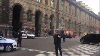 Войник простреля мъж, размахващ нож в Париж