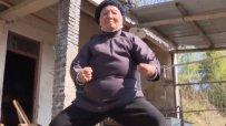 """94-годишна """"кунг-фу  баба"""" държи в страх цяло село"""