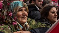 Стотици туркини излязоха на протест в Истанбул