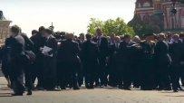 Гардове на Путин не пуснаха ветеран до руския президент в Москва