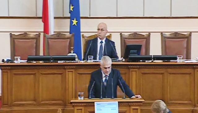 Валентин Радев: Чуждите шофьори масово не си плащат глобите в България