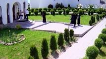 Гол до кръста руснак вилня в женски манастир