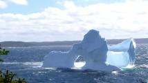 Изумителен айсберг се появи край Нюфаундленд