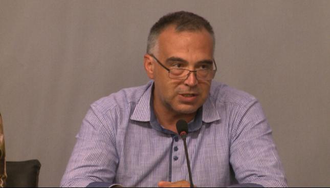 Антон Кутев за оставката на Бисер Петков: Върти се водевил