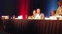 Майк Тайсън лисна чаша с вода срещу боксов мениджър