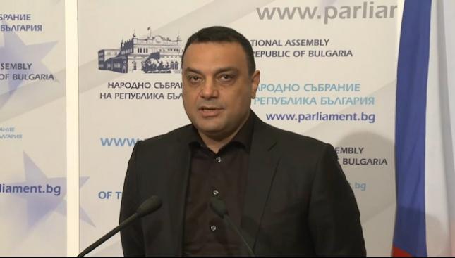Московски обясни защо е нужна концесията на летище София