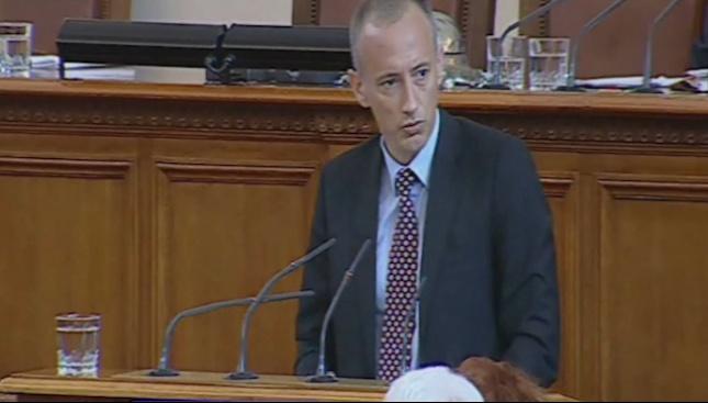 Красимир Вълчев: Имаме сигнали, че училищни автобуси се използват за изборен туризъм