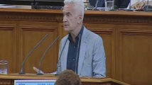 Волен Сидеров: Валери Симеонов бяга от отговора за концесиите
