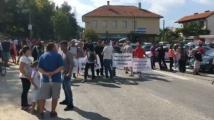 Жители на Самоков на протест заради лошото състояние на пътя до Дупница