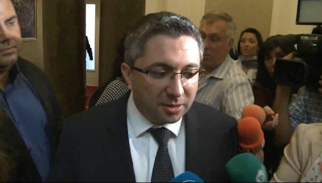 Нанков: Все още сме министри и не абдикираме от задълженията си