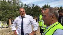 Премиерът Бойко Борисов провери строителството на довеждащия път към тунела под Шипка
