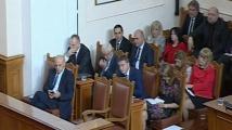 Парламентът разисква третия вот на недоверие към кабинета Борисов 3: Слушам и не вярвам на очите си