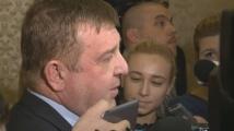 Каракачанов: Не мога да се подам на натиск кои изтребители да закупим