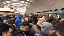 Хиляди души бяха блокирани в московското метро