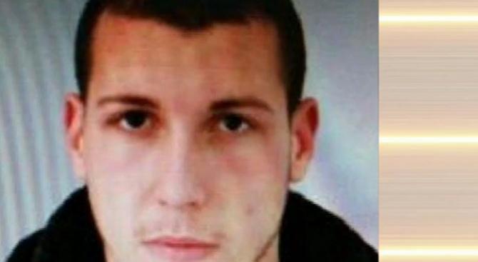 Наркодилър прегазил полицая в София с мръсна газ, намерили брадви и бухалки в колата му