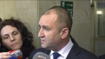 Президентът отново разкритикува правителството и сравни положението във Венецуела с България