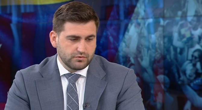 Андрей Новаков за Венецуела: Не може постоянно да се снишаваме