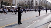 Атина: В небето самолети. По улиците войска