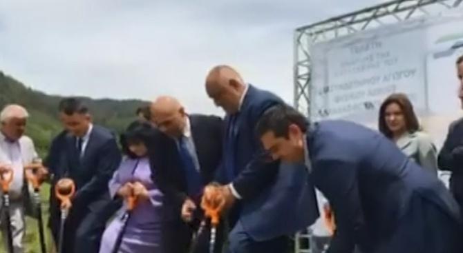 Борисов: Слагаме край на думите и почваме да копаем