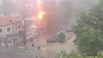 Мълния удари дърво в центъра на Пловдив