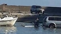 Мъж влезе с джипа си в залива Болата, за да си изтегли лодката