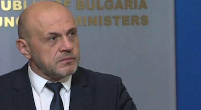 Томислав Дончев за истерията с децата: Всякакви глупости съм виждал, но това мина всички граници