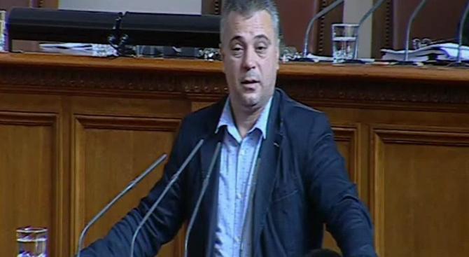 Юлиан Ангелов от ВМРО: За последните години начинът на мислене на македонците се промени