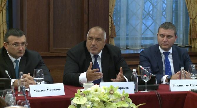 Борисов: Кой прави дизайните на Мерцедес? Българите го правят!