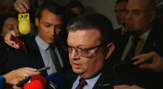 Сотир Цацаров: Румен Радев просто изпълни Конституцията