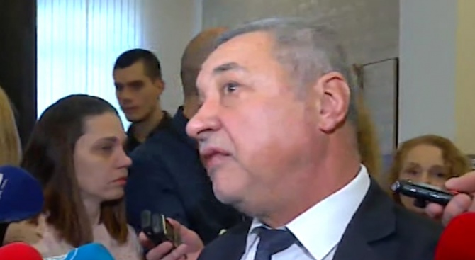Валери Симеонов: Поведението ми е безукорно, не разбирам протестите