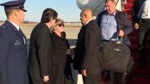 Защо дънките и куфарът на Каракачанов възбудиха социалните мрежи?