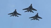 Подменят двигателите на 8 самолета, Борисов поръча веднага някой да звънне на Каракачанов и да му съобщи новината