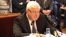 Кирил Ананиев на кръстосан огън от депутатите
