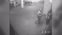 Прокуратурата показа записи от камера в подземен паркинг във връзка с опита за отравяне на Емилиян Гебрев