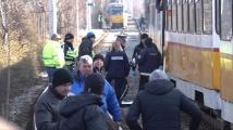 Верижна катастрофа между трамваи в София: Един загина, има и ранени