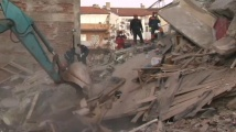 Майка и дете спасени от руините в Турция